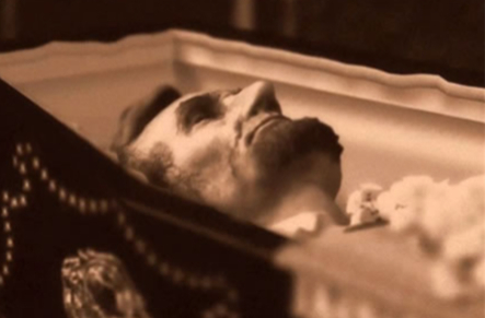 Lincoln-in-coffin